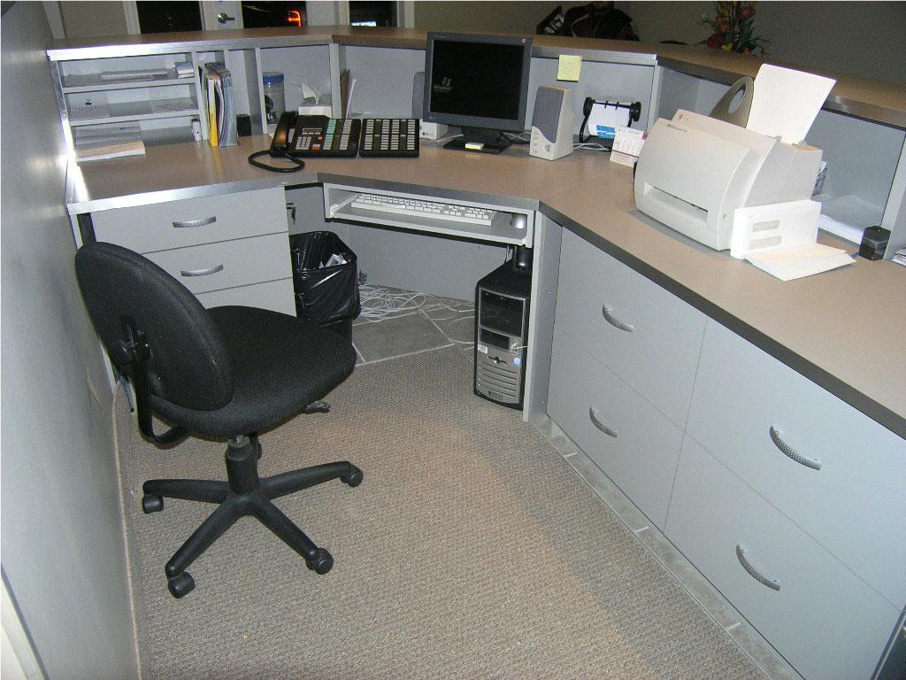 Bureau de réceptioniste les entreprises alain pilon inc.